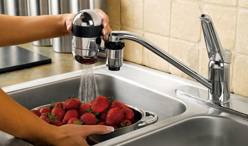 Faucet mounted water filter