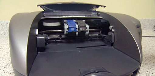 Computer printer with ink cartridges
