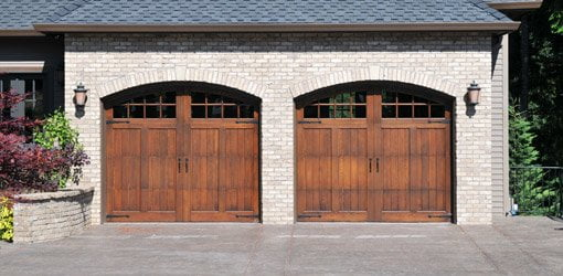 Garage doors on house.