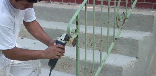 Using A Rotary Wire Bursh Attachment To Remove Rust On Railings. Part 76