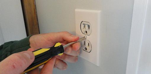 How to Replace a 120Volt Electrical Wall Outlet Todays Homeowner