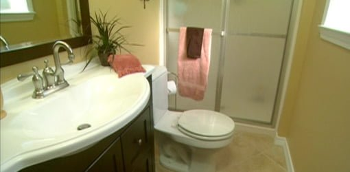 How To Remodel A Small Bathroom On A Budget Todays Homeowner - Small bathroom designs with tub for small bathroom ideas