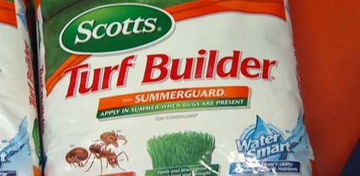 Bag of Scotts Turf Builder with SummerGuard