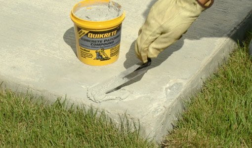 Applying QUIKRETE Concrete Patching Compound