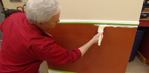 Tips for painting interior walls and trim in your home Interior trim paint calculator