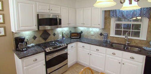 Great Remodeled Kitchen With New Cabinet Doors, Appliances, And Countertops.