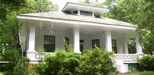 southern romance historic home renovation project today 39 s homeowner. Black Bedroom Furniture Sets. Home Design Ideas