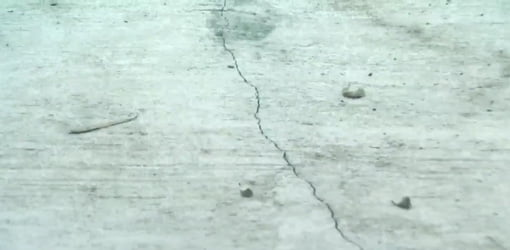 Charmant Crack In Concrete Slab.