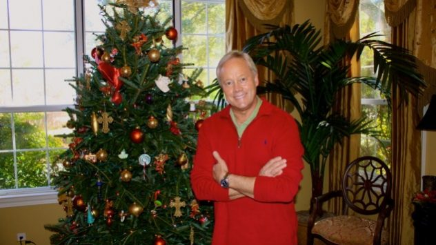 Danny Lipford in front of Christmas tree
