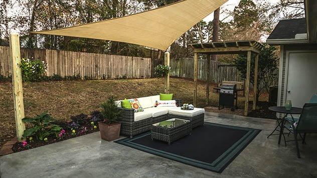 patio-with-furniture