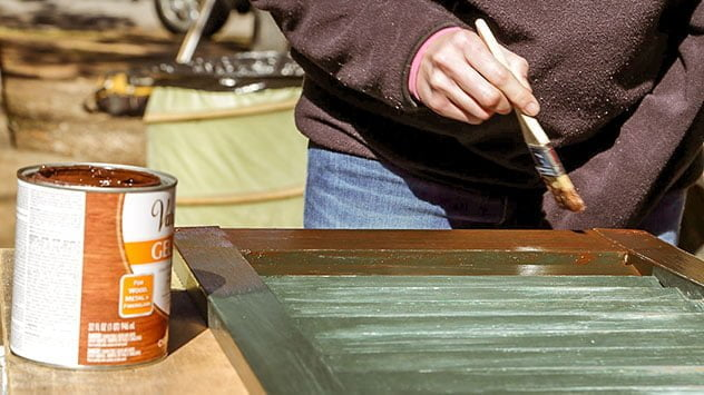 staining-the-shutters