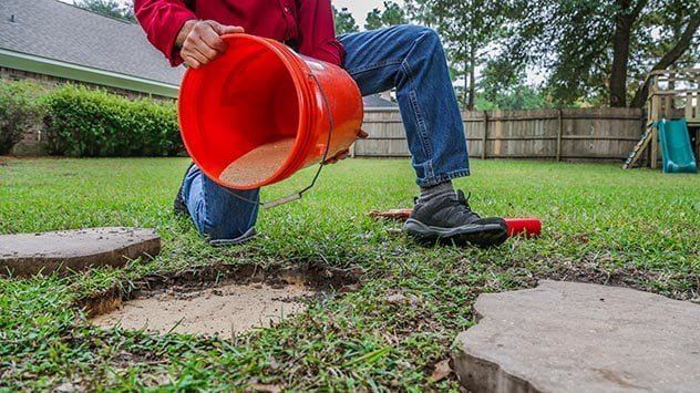 How to Level Your Stepping-Stone Walkway | Today's Homeowner
